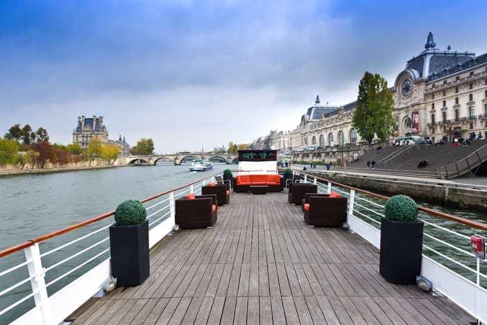 La terrasse du Montebello sur la Seine