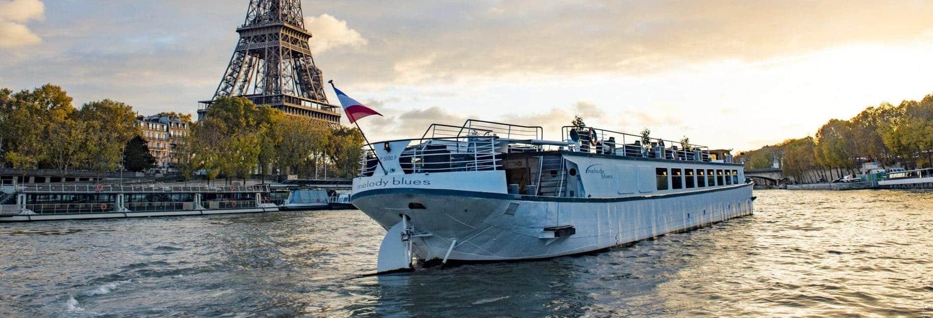 Croisière sur la Seine à bord de la peniche Melody Blues