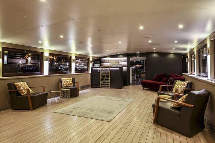 Espace lounge à bord du Signac
