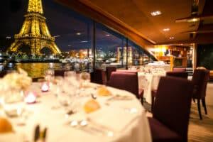 Dîner à bord du Paris