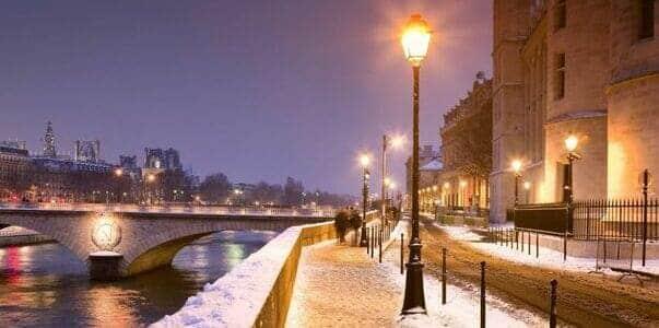 Paris et la Seine sous la neige