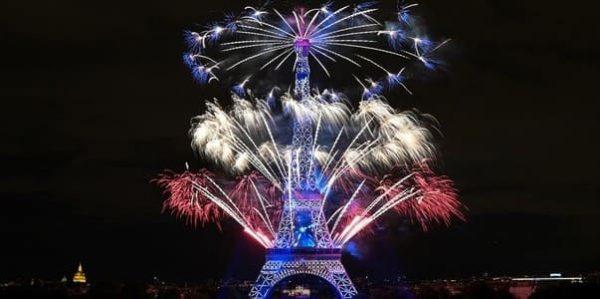 Feu d'artifice à la Tour Eiffel