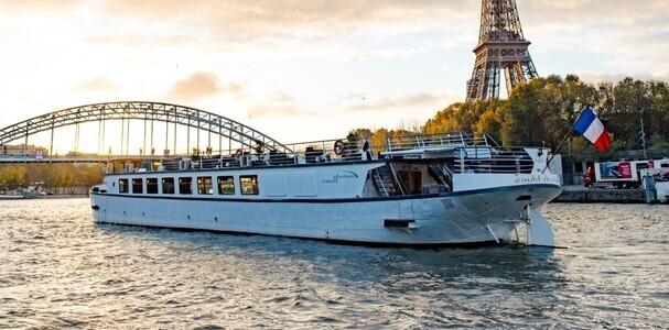 Melody Blues en navigation sur la Seine