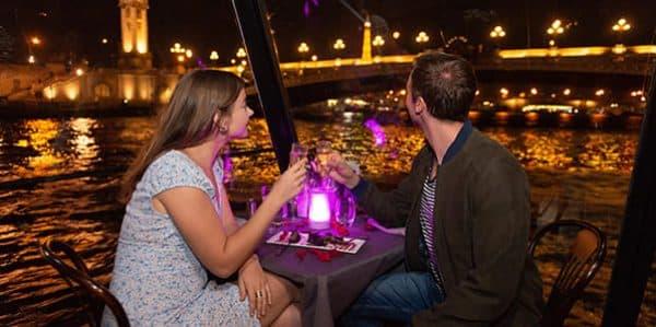 Dîner romantique Paris péniche