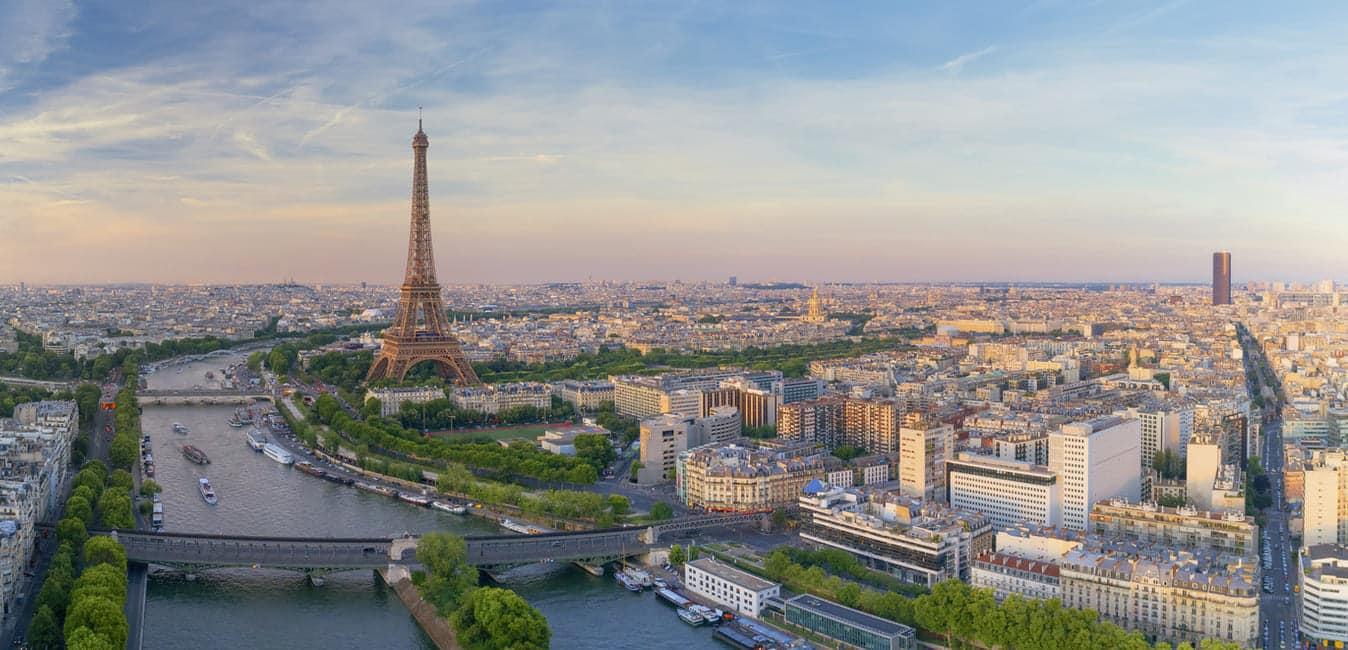 Vue de la Tour Eiffel et la Seine