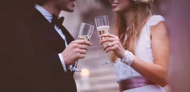 Célébration de mariage sur une péniche